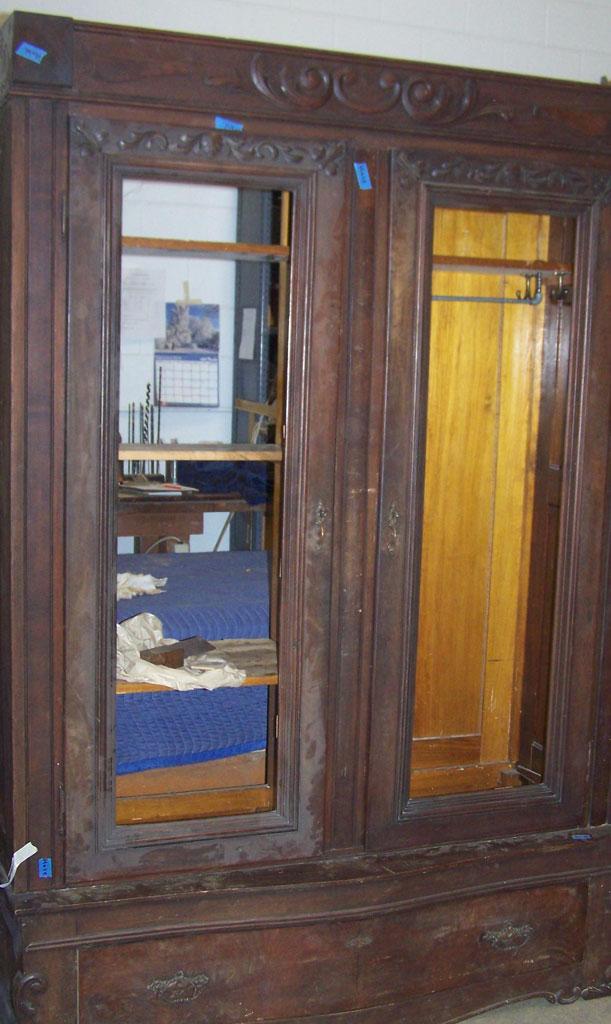 Wardorbe Restoration Before